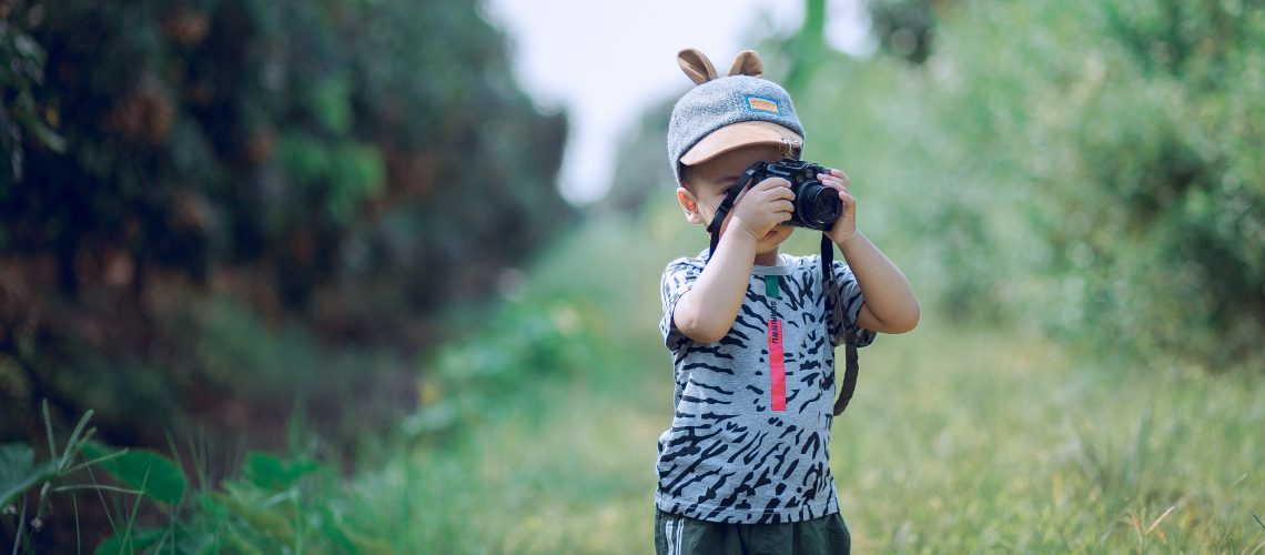 blurred-background-boy-camera-1374510